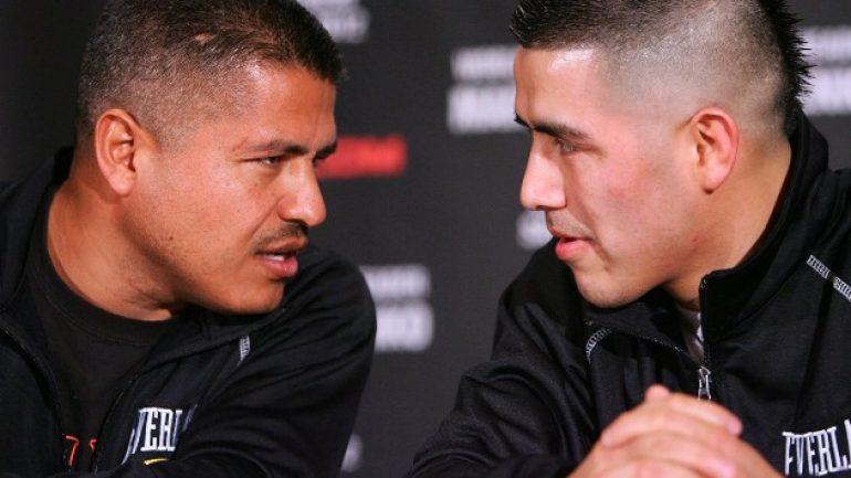 Brandon Rios splits with trainer Robert Garcia