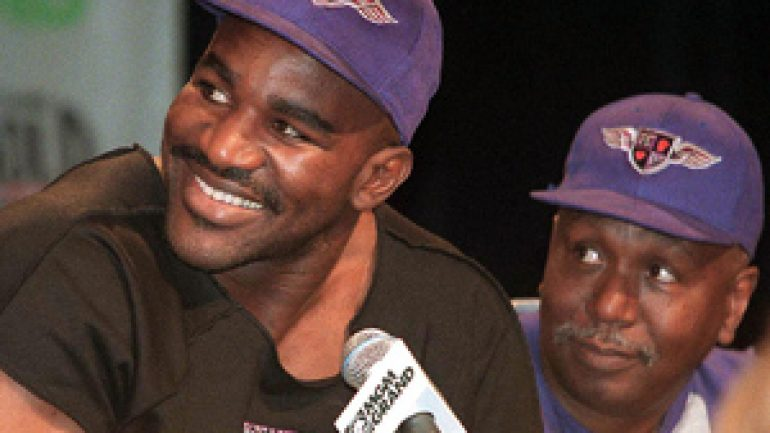 Evander Holyfield apologizes for offensive comments about gays