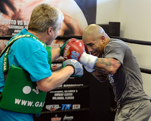 file_180961_2_Cotto-mitts-Roach300_Blevin