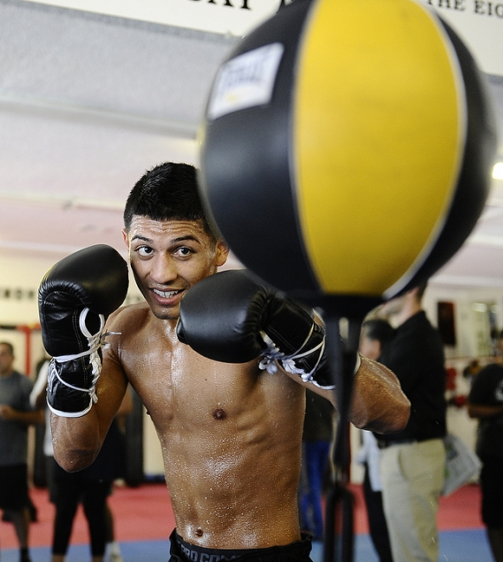 gallery_307588_abner_mares_workout_20110808_1093083800