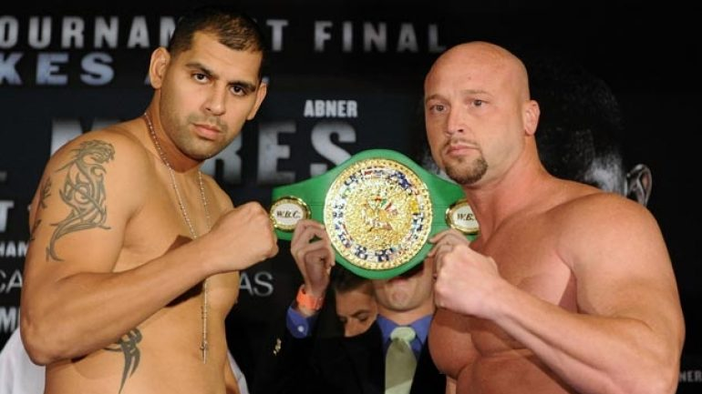 Agbeko-Mares Weigh-in