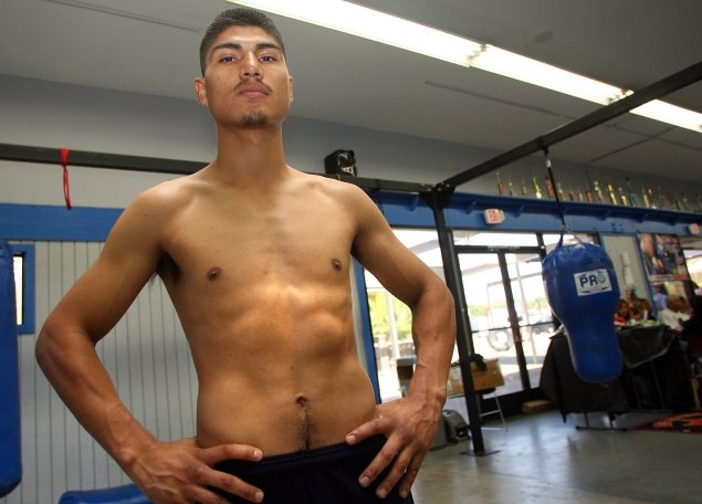 gallery_307997_mikey_garcia_workout_11-3-12_1_20121103_1500316257