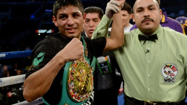 Richard Schaefer: Rib injury has Abner Mares out 'for several weeks'