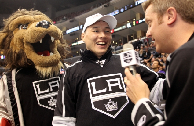 gallery_308114_provodnikov_at_kings_game_1_20130311_1419376677