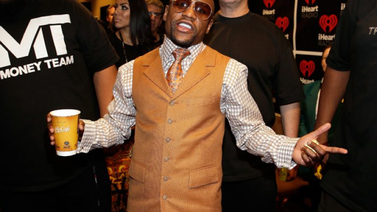 Floyd Mayweather Jr. asks fans: Amir Khan or Marcos Maidana?