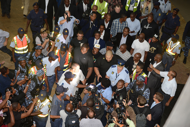 Mayweather-mobbed-in-SA_630