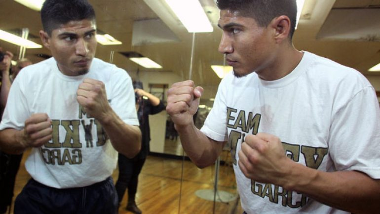 Mikey Garcia focused on Burgos, banner 2014, not Manny Pacquiao