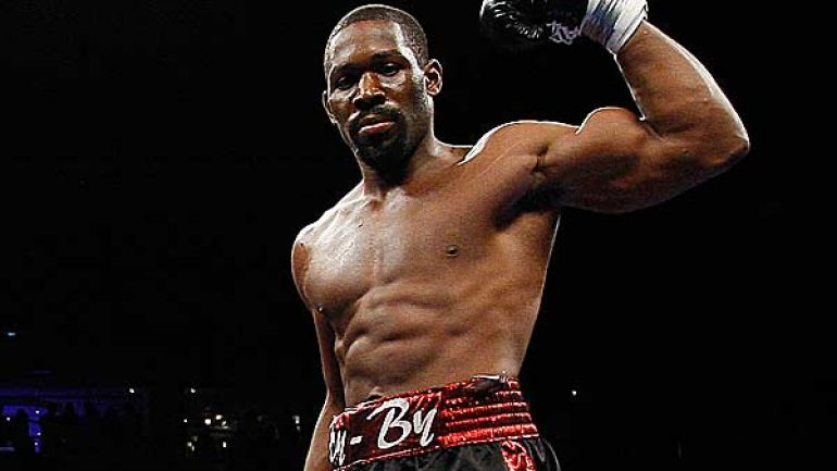 Bryant Jennings edges Mike Perez via split decision