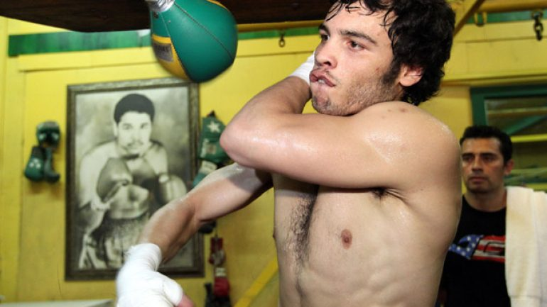Julio Cesar Chavez Jr. signs with Al Haymon