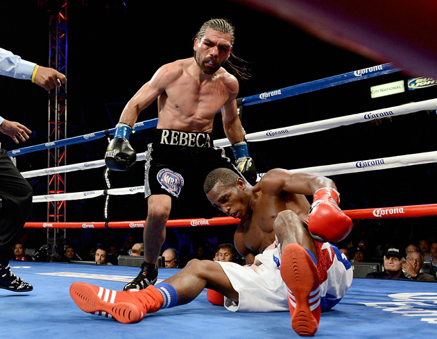 Alfredo Angulo had Erislandy Lara down twice before being stopped in the 10 round in his last bout.