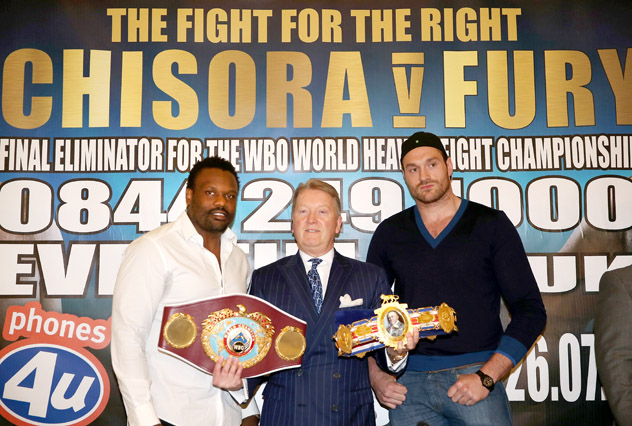 (L-R) Dereck Chisora, promoter Frank Warren, Tyson Fury. Photo by Andrew Redington/Getty Images.
