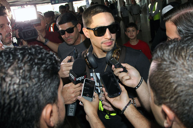 Danny-Garcia-and-Angel-PR-arrival-casino-showtime