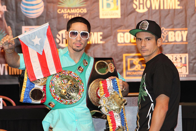Danny Garcia (L) and Mauricio Herrera in Puerto Rico on March 12, 2014. Photo by Tom Casino/Showtime.