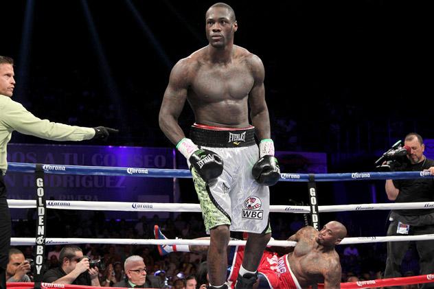 Deontay Wilder knocks out Malik Scott. Photo by Tom Casino/Showtime.