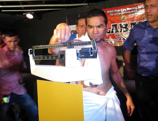 Hector-Velazquez-weigh-in