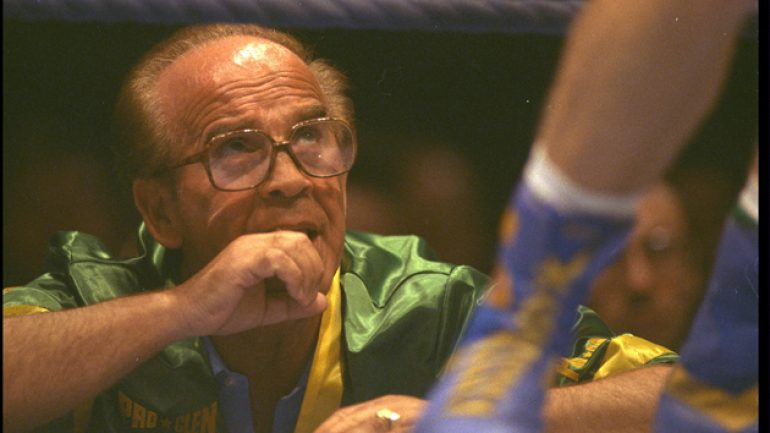 Tributes are being paid to former boxer, manager, promoter Mickey Duff