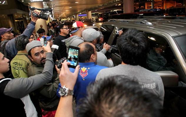 Pacquiao_LAX arrival_farina