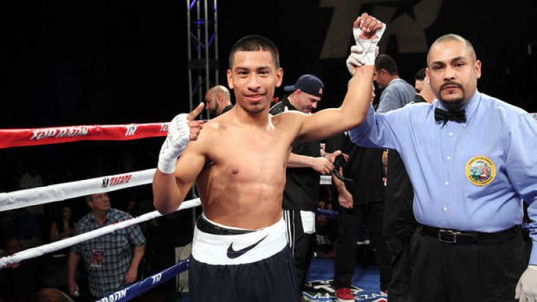 Gary Salazar signs with Top Rank