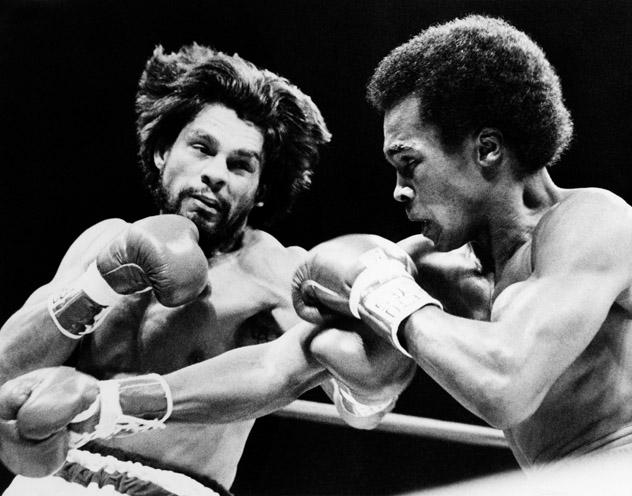 US boxer Sugar Ray Leonard (R) and Panam
