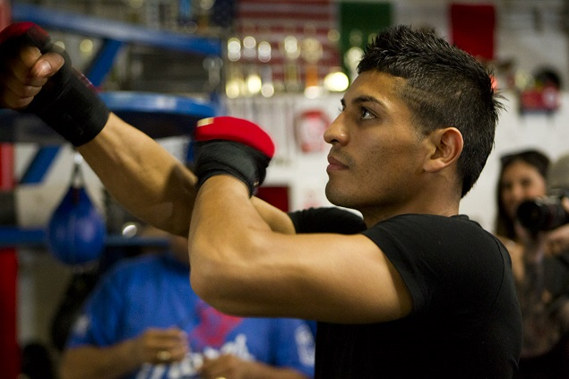 Abner-Mares-635