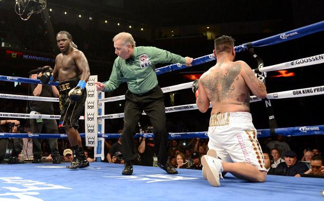 Bermane-Stiverne-vs-Chris-Arreola-knockdown-ukuda