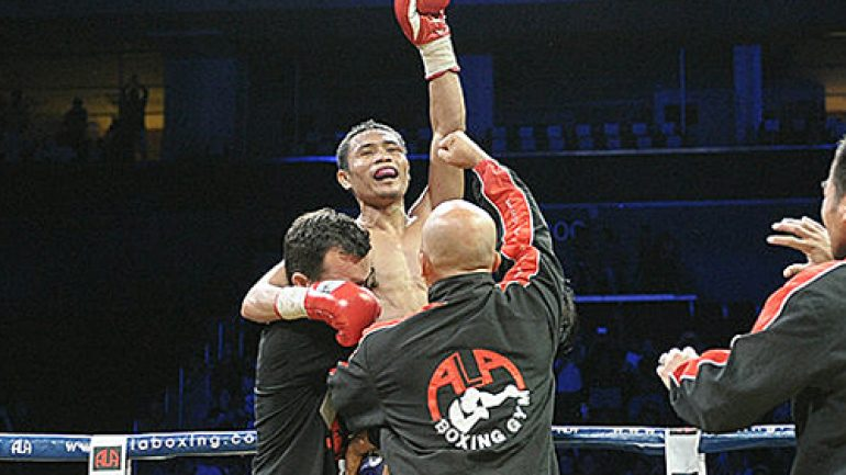 Donnie Nietes stops Carlos Velarde after seven, keeps 108-pound title