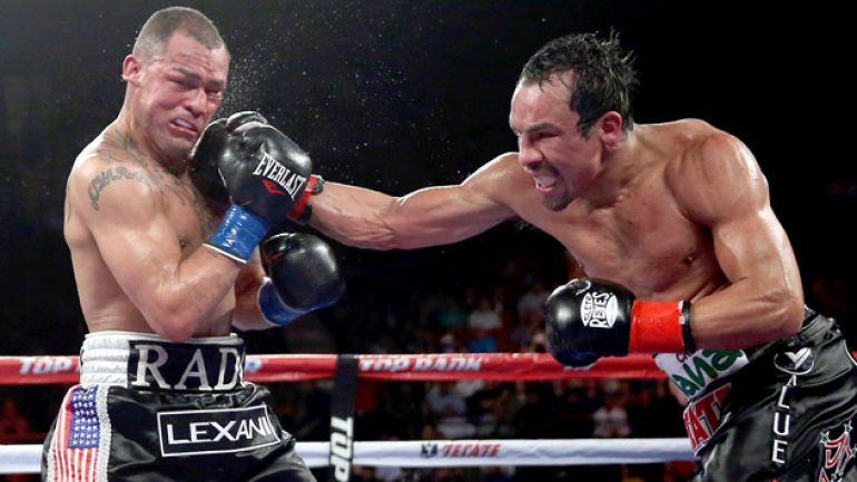 Return of the King: Marquez beats Alvarado in a war at The Forum