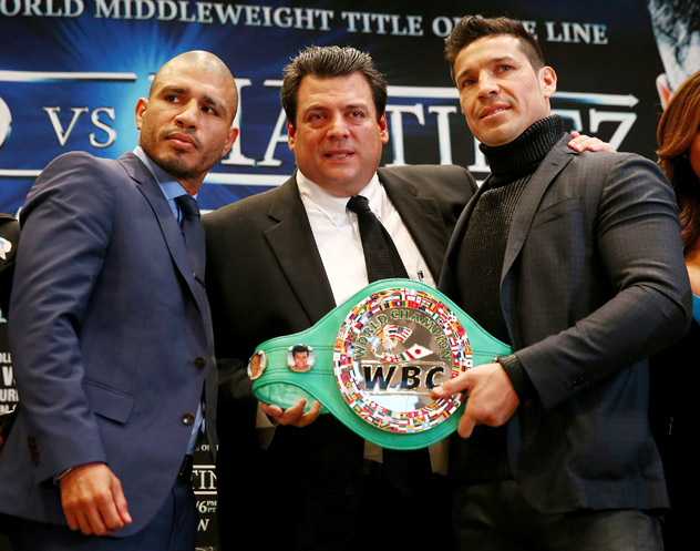 WBC president Mauricio Sulaiman flanked by Miguel Cotto (L) and Sergio Martinez. Photo by Elsa/Getty Images.