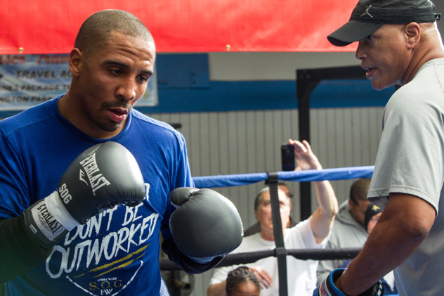 Andre Ward (L) and trainer Virgil Hunter. Photo by Alexis Cuarezma/Getty Images.