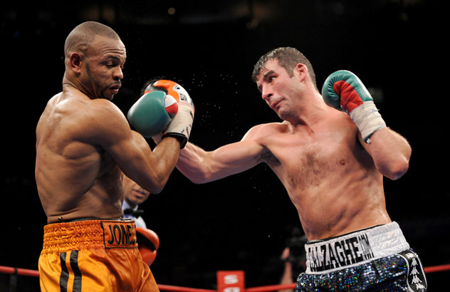 Joe Calzaghe (R) in his final pro fight, against Roy Jones Jr. on Nov. 10, 2008, at Madison Square Garden. Photo by Al Bello/Getty Images.