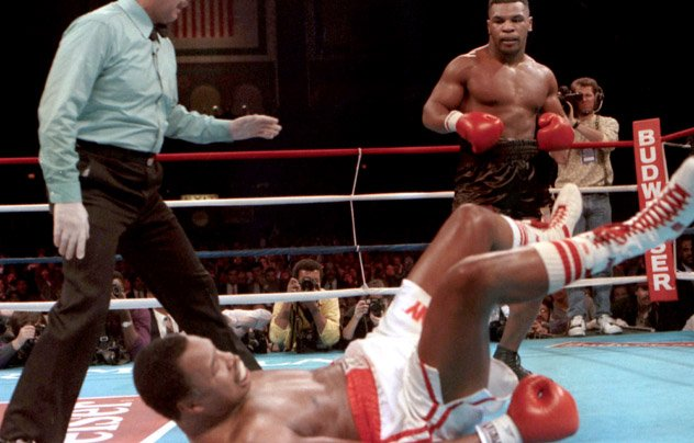 Mike-Tyson-vs-Larry-Holmes-2-ring-mag
