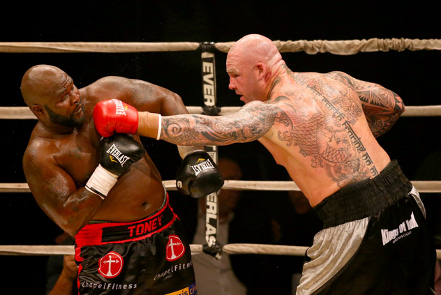 Lucas Brown (R) battling James Toney to a unanimous-decision win in 2013. Photo by Robert Cianflone/Getty Images.