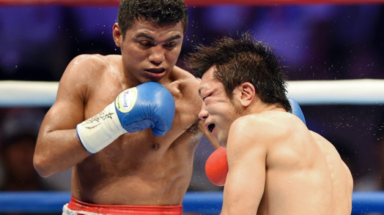 New flyweight champ Roman Gonzalez pays tribute to Alexis Arguello