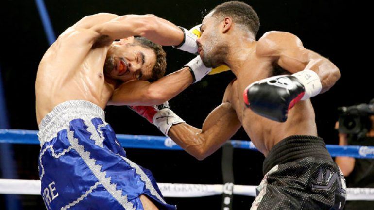 Mickey Bey defeats Miguel Vazquez by split decision to win IBF lightweight title