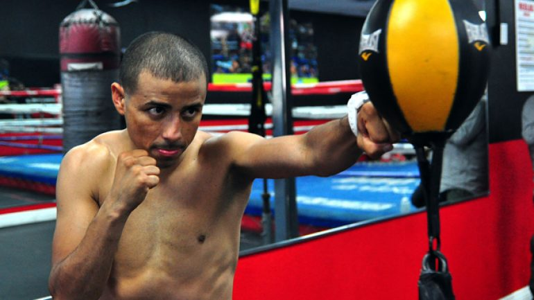 Giovani Segura returns, defeats Ernesto Guerrero in third round