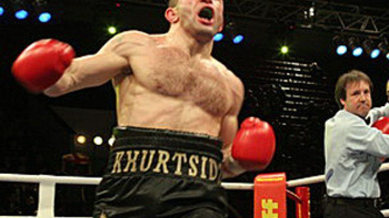 Avtandil Khurtsidze stops in Eddie Hunter in five