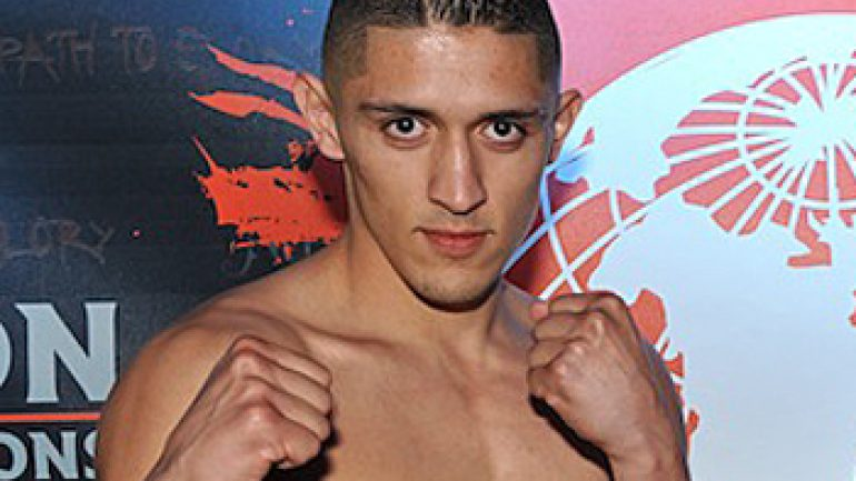 Giovani Santillan decisions Jose De Jesus Macias on Saturday