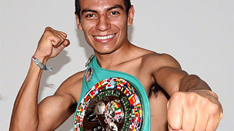 Castellanos defeats Juarez, earns WBC featherweight title shot