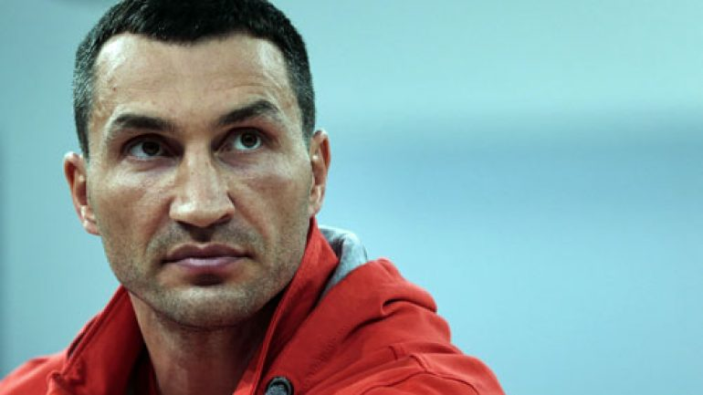 Press release: Wladimir Klitschko suffered torn tendon