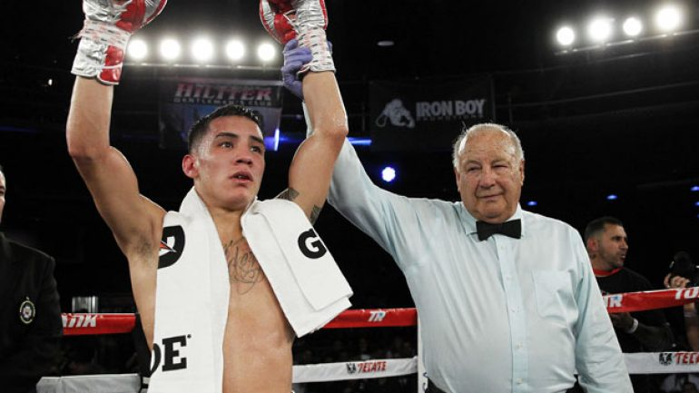 Oscar Valdez, Esquiva Falcao notch victories on UniMas show in Texas