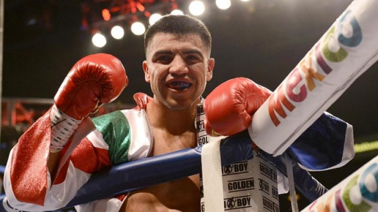 Victor Ortiz wins for the first time since 2011