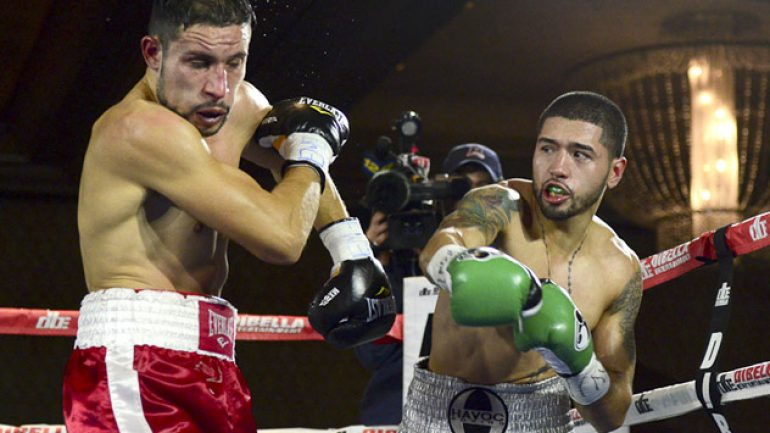'Pee Wee' Cruz and Frank Galarza impress on 'Broadway Boxing' card