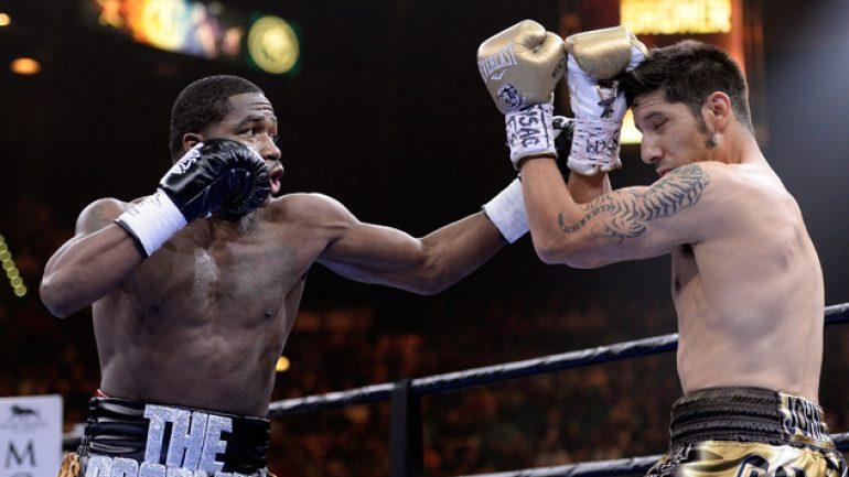 Adrien Broner dominates John Molina to uneventful decision