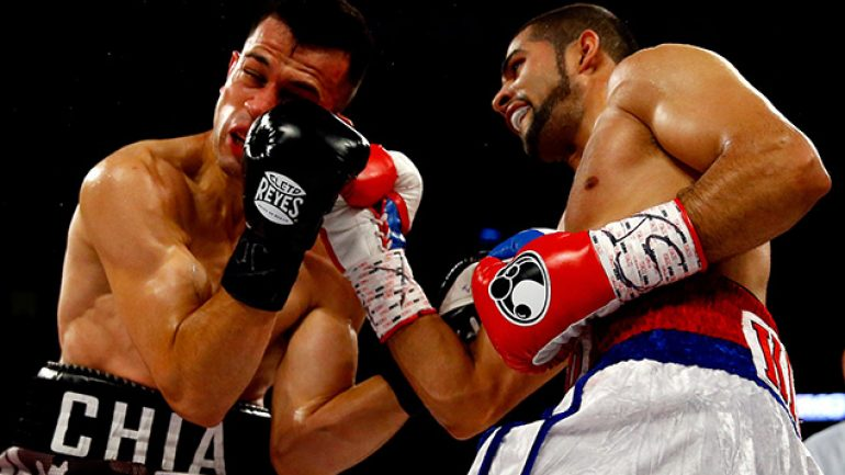 Sadam Ali defeats Francisco Santana by a unanimous decision