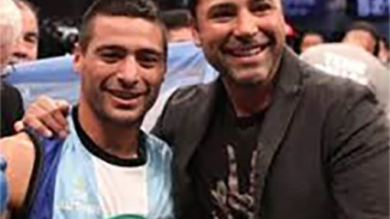 "Oscar De La Hoya to Argentine media: ""I believe in Lucas Matthysse"""