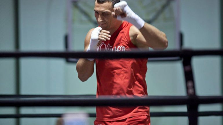 Wladimir Klitschko injured; Fury fight postponed