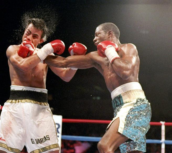 Kelly vs. Vargas (Al Bello)