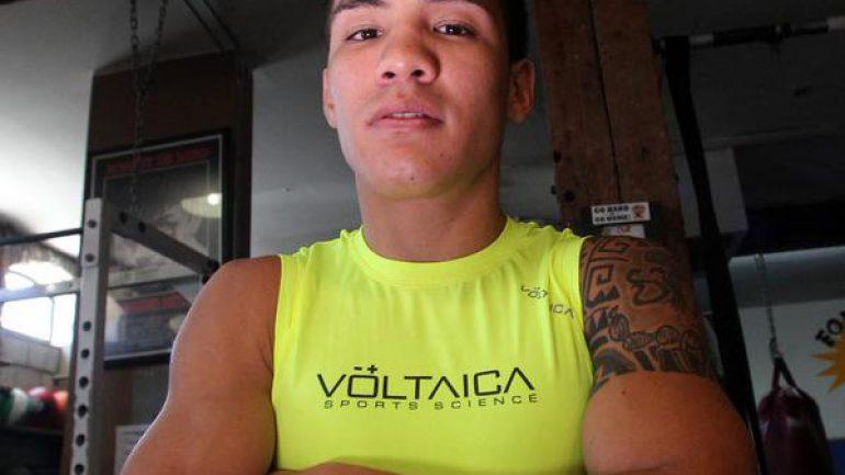 Oscar Valdez, Jose Benavidez Jr. win but only Valdez entertained