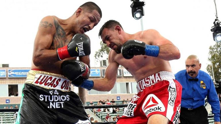 Robert Guerrero outpoints Aron Martinez in hard-fought split decision