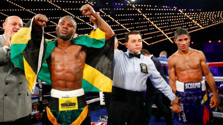 Nicholas Walters remains undefeated but gains little else